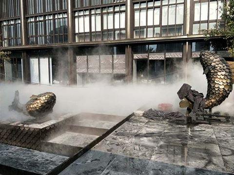 售楼处喷雾设备使用好处 人工造雾机的应用