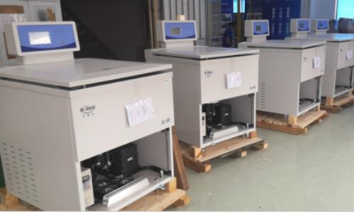 卢湘仪10台DL-8M超大容量冷冻离心机送往上海某上市药企