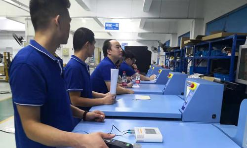 成都客户来上海卢湘仪验收8台L800R大容量冷冻离心机